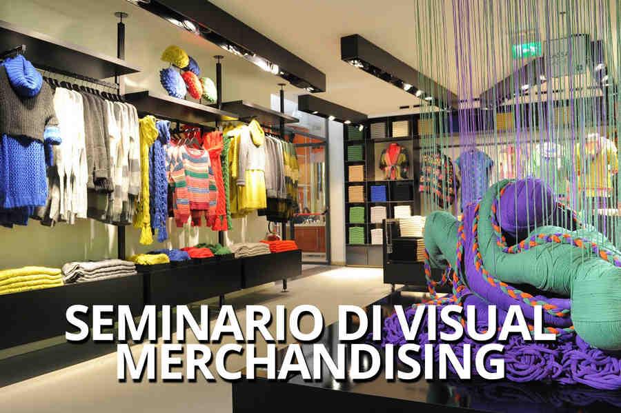 ca6a10bdf58afc Il Visual Merchandising è l'insieme delle tecniche in grado di stimolare l' acquisto di un prodotto tramite la sua corretta collocazione ed esposizione  sul ...